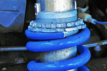 imagen para resumen mecanica rapida cambio de amortiguadores
