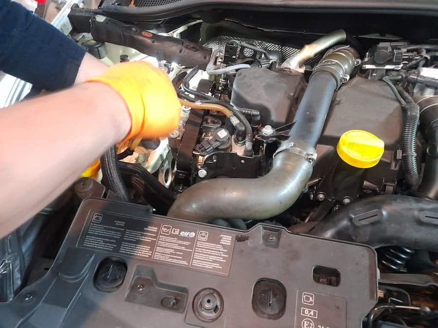 cómo cambiar aceite y filtro